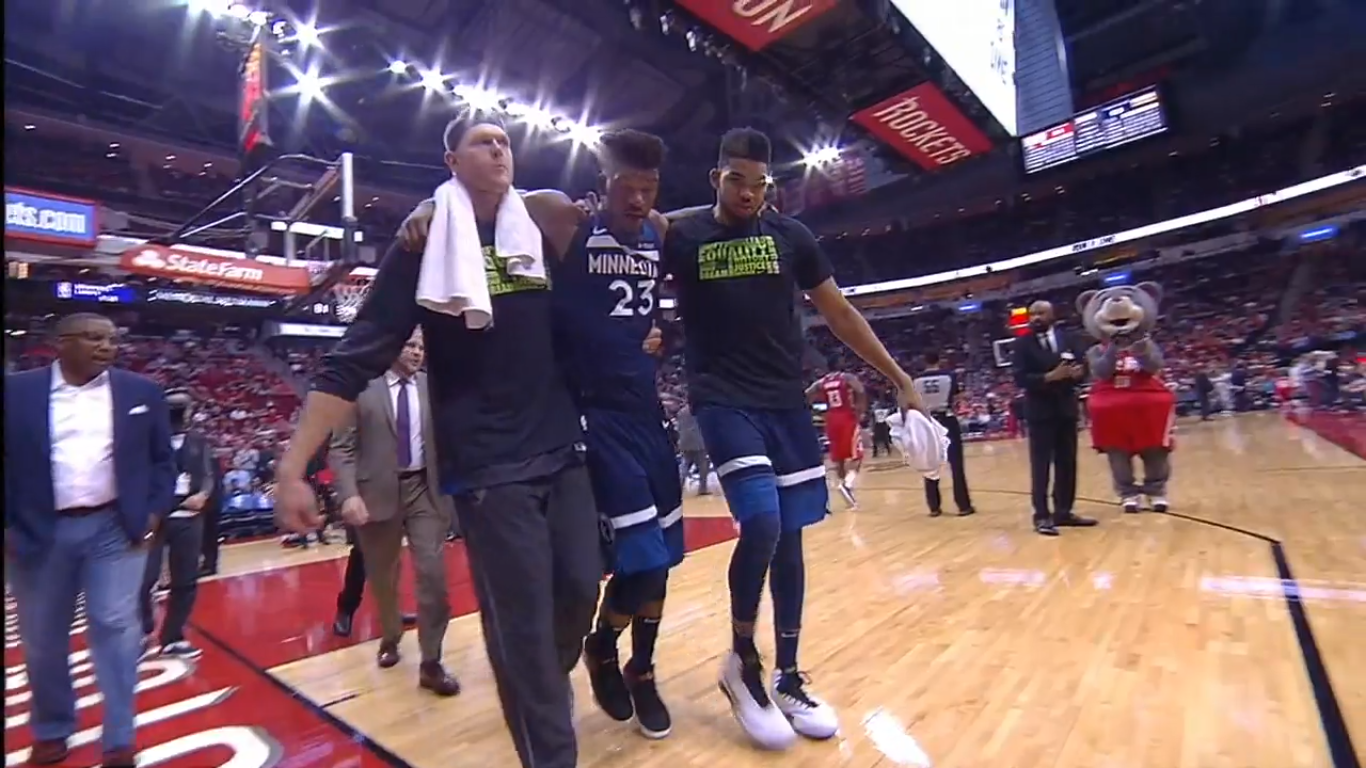 Jimmy Butler leaves game with non-contact knee injury