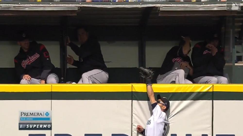 Ichiro-home-run-rob