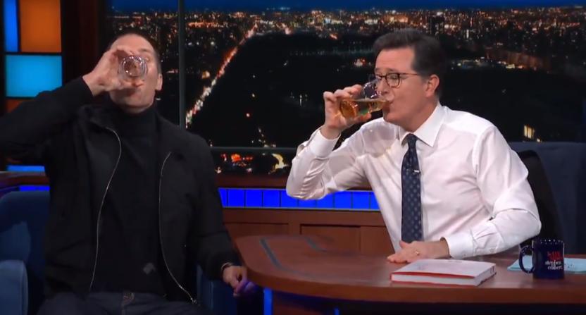 Tom Brady chug a beer like a champ on 'The Late Show'