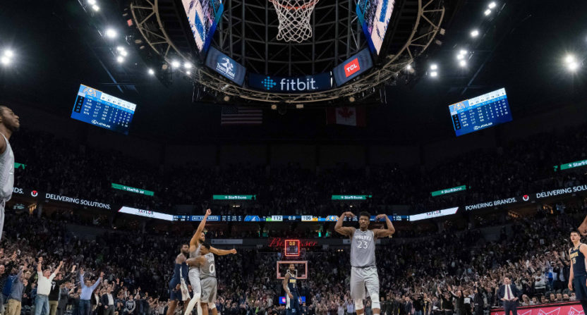 The Timberwolves celebrated after making the playoffs for the first time since 2004.