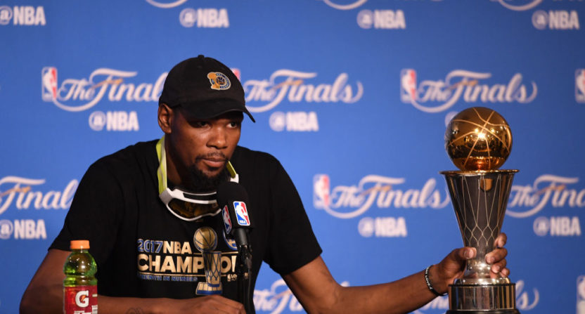 Kevin Durant appears to trash former Thunder coach, teammates on Twitter