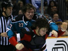 SAN JOSE, CA - DECEMBER 20:  Jeremy Roenick #27 of the San Jose Sharks fights with Daniel Carcillo #13 of the Phoenix Coyotes during the NHL game at HP Pavilion on December 20, 2007 in San Jose, California. The Coyotes defeated the Sharks 3-2 in an overtime shoot out.  (Photo by Christian Petersen/Getty Images)
