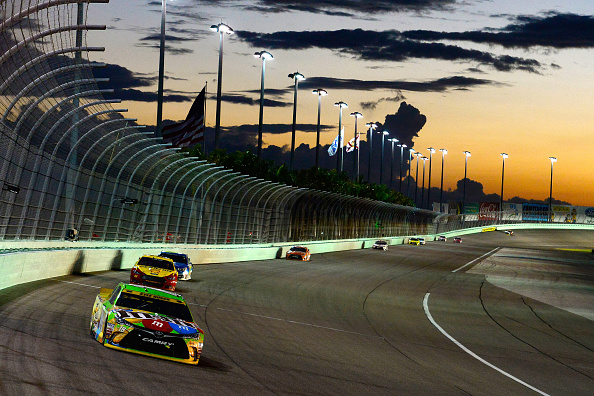 HOMESTEAD, FL - NOVEMBER 22:  Kyle Busch, driver of the #18 M&M's Crispy Toyota, leads a pack of cars during the NASCAR Sprint Cup Series Ford EcoBoost 400 at Homestead-Miami Speedway on November 22, 2015 in Homestead, Florida.  (Photo by Robert Laberge/Getty Images)