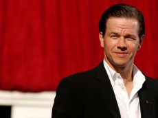 HOLLYWOOD - JULY 13:  Actor Mark Wahlberg arrives at the 13th Annual ESPY Awards at the Kodak Theatre on July 13, 2005 in Hollywood, California.  (Photo by Mark Mainz/Getty Images)