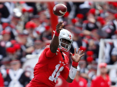 COLUMBUS, OH - SEPTEMBER 3:  J.T. Barrett #16 of the Ohio State Buckeyes throws a pass during the second quarter of the game against the Bowling Green Falcons on September 3, 2016 at Ohio Stadium in Columbus, Ohio. (Photo by Kirk Irwin/Getty Images)