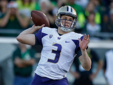 EUGENE, OR - OCTOBER 08:  Quarterback Jake Browning #3 of the Washington Huskies passes against the Oregon Ducks on October 8, 2016 at Autzen Stadium in Eugene, Oregon.  (Photo by Otto Greule Jr/Getty Images)