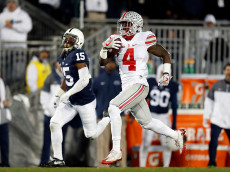 STATE COLLEGE, PA - OCTOBER 22:  Curtis Samuel #4 of the Ohio State Buckeyes rushes for a 74 yard touchdown in the third quarter during the game against the Penn State Nittany Lions on October 22, 2016 at Beaver Stadium in State College, Pennsylvania.  (Photo by Justin K. Aller/Getty Images)
