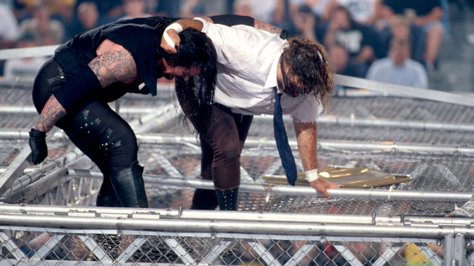 mankind_vs_the_undertaker_hell_in_a_cell_match_king_of_the_ring_1998