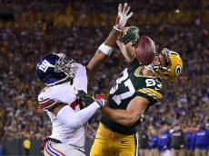 GREEN BAY, WI - OCTOBER 09: Trevin Wade #31 of the New York Giants defends a pass intended for Jordy Nelson #87 of the Green Bay Packers during the second half of a game at Lambeau Field on October 9, 2016 in Green Bay, Wisconsin. The Packers defeated the Giants 23-16. (Photo by Stacy Revere/Getty Images)