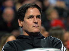 CHICAGO, IL - JANUARY 15:  Owner Mark Cuban of the Dallas Mavericks watces as his team takes on the Chicago Bulls at the United Center on January 15, 2016 in Chicago, Illinois. The Mavericks defeated the Bulls 83-77. NOTE TO USER: User expressly acknowledges and agrees that, by downloading and or using the photograph, User is consenting to the terms and conditions of the Getty Images License Agreement.  (Photo by Jonathan Daniel/Getty Images)
