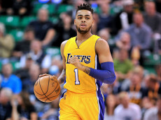 SALT LAKE CITY, UT - OCTOBER 28: D'Angelo Russell #1 of the Los Angeles Lakers controls the ball during their game against the Utah Jazz at Vivint Smart Home Arena on October 28, 2016 in Salt Lake City, Utah. NOTE TO USER: User expressly acknowledges and agrees that, by downloading and or using this photograph, User is consenting to the terms and conditions of the Getty Images License Agreement. (Photo by Gene Sweeney Jr/Getty Images)