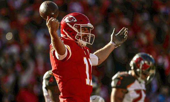 KANSAS CITY, MO - NOVEMBER 20: Quarterback Alex Smith #11 of the