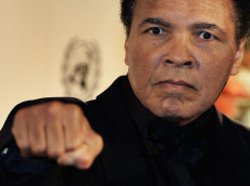 BERLIN, GERMANY - DECEMBER 17:  Boxing legend Muhammad Ali attendsthe Otto-Hahn-Peace-Medal Award Presentation  on December 17, 2005 in Berlin, Germany. Ali is receiving the award for his involvement in the American peace movement. (Photo by Carsten Koall/Getty Images)