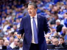 LEXINGTON, KY - NOVEMBER 23:  John Calipari the head coach of the Kentucky Wildcats gives instructions to his team during the game against the Cleveland State Vikings at Rupp Arena on November 23, 2016 in Lexington, Kentucky.  (Photo by Andy Lyons/Getty Images)