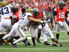 COLUMBUS, OH - NOVEMBER 26:   Mike Weber #25 of the Ohio State Buckeyes rushes the ball against the Michigan Wolverines at Ohio Stadium on November 26, 2016 in Columbus, Ohio.  (Photo by Jamie Sabau/Getty Images)