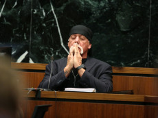 ST PETERSBURG, FL - MARCH 08:  NY POST OUT  Terry Bollea, aka Hulk Hogan, testifies in court during his trial against Gawker Media at the Pinellas County Courthouse on March 8, 2016 in St Petersburg, Florida.  Bollea is taking legal action against Gawker in a USD 100 million lawsuit for releasing a video of him having sex with his best friends wife.  (Photo by John Pendygraft-Pool/Getty Images)