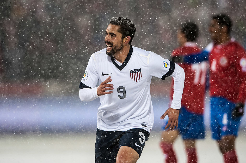 Herculez Gomez joins ESPN, announces retirement from soccer