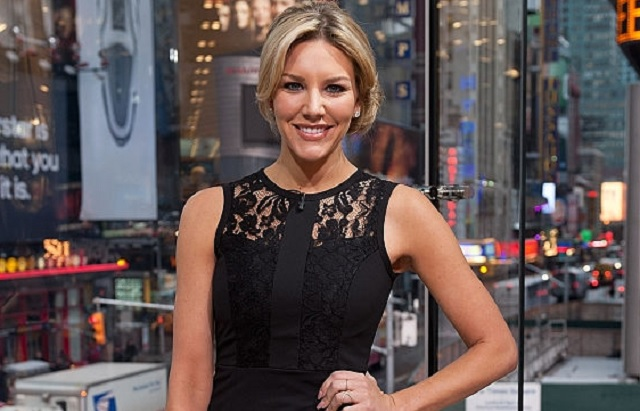 NEW YORK, NY - FEBRUARY 09: Charissa Thompson hosts 'Extra' at their New York studios at H&M in Times Square on February 9, 2015 in New York City. (Photo by D Dipasupil/Getty Images for Extra)