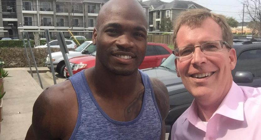 Reporter Fails to Realize That He's Interviewing Adrian Peterson