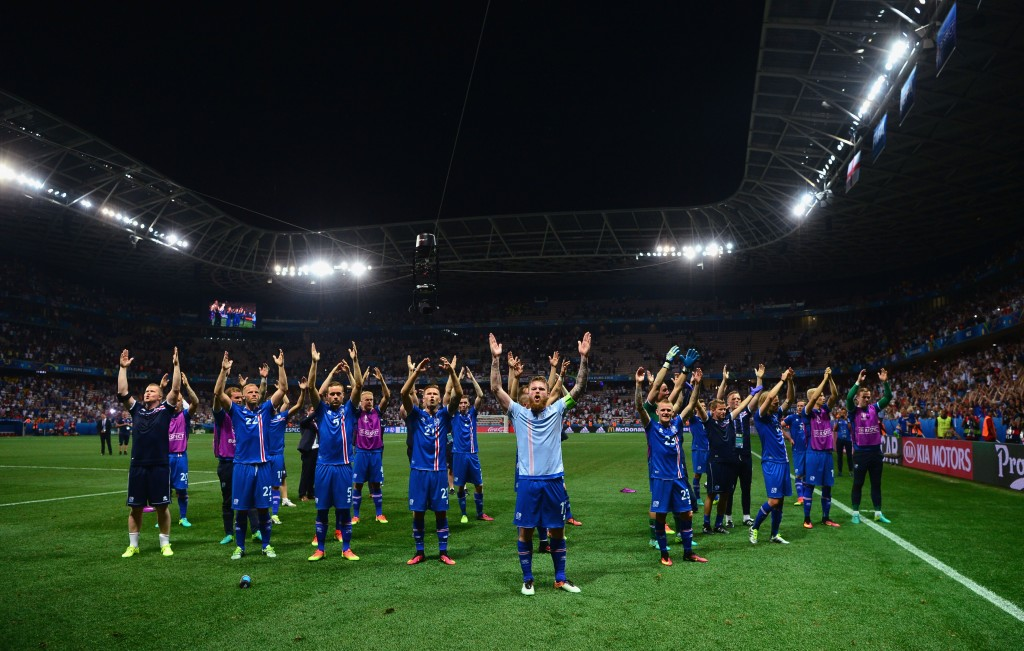 NICE, FRANCE - JUNE 27:  Iceland players celebrate their team's 2-1 win in the UEFA EURO 2016 round of 16 match between England and Iceland at Allianz Riviera Stadium on June 27, 2016 in Nice, France.  (Photo by Dan Mullan/Getty Images)