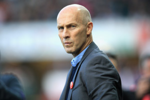 SWANSEA, WALES - OCTOBER 22: Bob Bradley, Manager of Swansea City looks on during the Premier League match between Swansea City and Watford at the Liberty Stadium on October 22, 2016 in Swansea, Wales.  (Photo by Ben Hoskins/Getty Images)