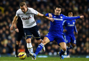 LONDON, ENGLAND - JANUARY 01:  Harry Kane of Spurs battles for the ball with Cesc Fabregas of Chelsea during the Barclays Premier League match between Tottenham Hotspur and Chelsea at White Hart Lane on January 1, 2015 in London, England.  (Photo by Michael Regan/Getty Images)