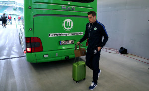 WOLFSBURG, GERMANY - SEPTEMBER 20: Julian Draxler of Wolfsburg arrives prior to the Bundesliga match between VfL Wolfsburg and Borussia Dortmund at Volkswagen Arena on September 20, 2016 in Wolfsburg, Germany. (Photo by Ronny Hartmann/Getty Images For MAN)