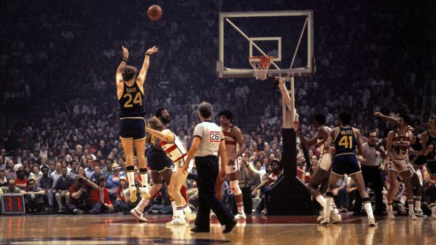 052815-NBA-warriors-rick-barry-shoot-jump-shot-ahn-PI.vadapt.620.high.0