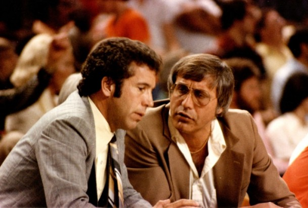 Longtime Phoenix Suns coach John MacLeod, left, consults with his trusted assistant, Al Bianchi. What happened to MacLeod in his career is not very different from what happened to two other veteran NBA coaches, Gene Shue and Dick Motta.
