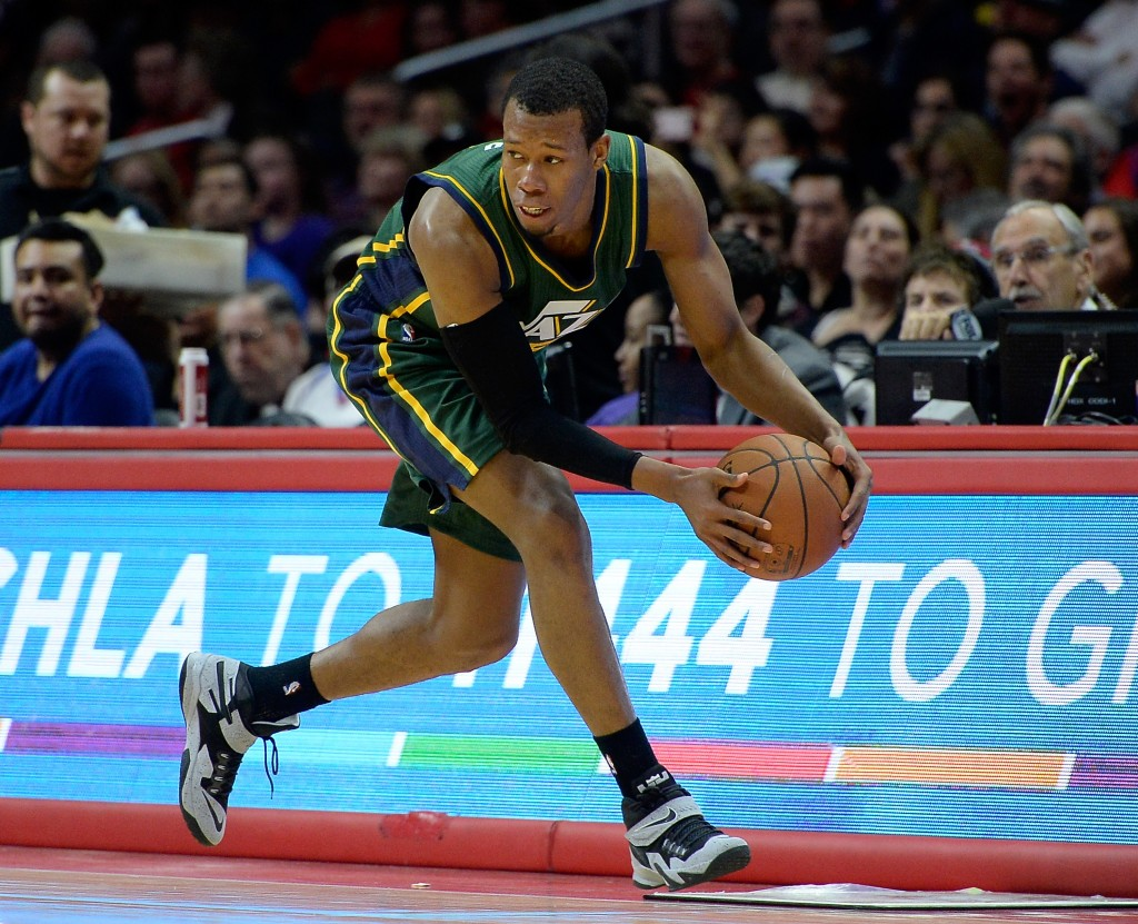 LOS ANGELES, CA - DECEMBER 29:  Rodney Hood #5 of the Utah Jazz loses the ball out of bounds during the first half against the Los Angeles Clippers at Staples Center on December 29, 2014 in Los Angeles, California.   NOTE TO USER: User expressly acknowledges and agrees that, by downloading and or using this Photograph, user is consenting to the terms and condition of the Getty Images License Agreement.  (Photo by Harry How/Getty Images)