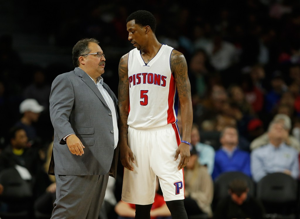 AUBURN HILLS, MI - OCTOBER 28:  Head coach Stan Van Gundy talks to Kentavious Caldwell-Pope #5 of the Detroit Pistons while playing the Utah Jazz at the Palace of Auburn Hills on October 28, 2015 in Auburn Hills, Michigan. Detroit won the game 92-87. NOTE TO USER: User expressly acknowledges and agrees that, by downloading and or using this photograph, User is consenting to the terms and conditions of the Getty Images License Agreement.  (Photo by Gregory Shamus/Getty Images)