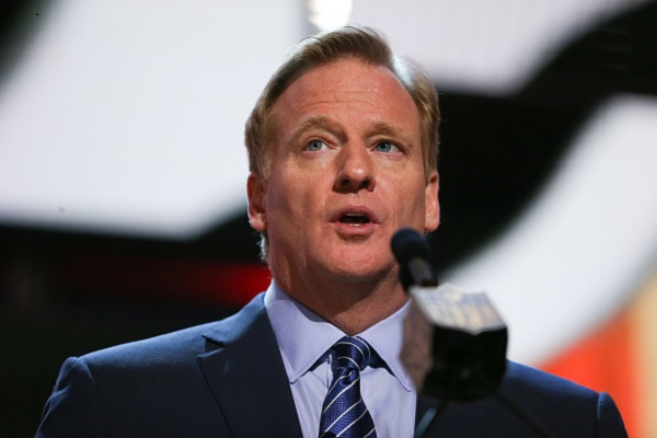 CHICAGO, IL - APRIL 30:  NFL Commissioner Roger Goodell announces that Marcus Peters of the Washington Huskies was picked #18 overall by the Kansas City Chiefs during the first round of the 2015 NFL Draft at the Auditorium Theatre of Roosevelt University on April 30, 2015 in Chicago, Illinois.  (Photo by Jonathan Daniel/Getty Images)