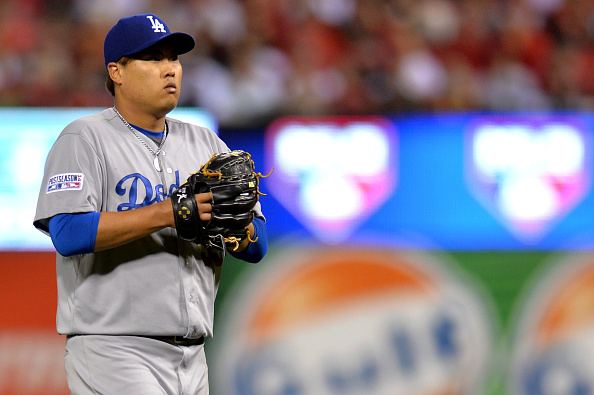 ST LOUIS, MO - OCTOBER 06:  Pitcher Hyun-Jin Ryu #99 of the Los Angeles Dodgers prepares to pitch in the fourth inning against the St. Louis Cardinals in Game Three of the National League Division Series at Busch Stadium on October 6, 2014 in St Louis, Missouri.  (Photo by Michael Thomas/Getty Images)