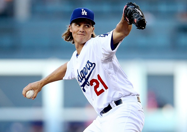 :LOS ANGELES, CA - JUNE 18: Zack Greinke #21 of the Los Angeles Dodgers throws a pitch against the Texas Rangers at Dodger Stadium on June 18, 2015 in Los Angeles, California. (Photo by Stephen Dunn/Getty Images)
