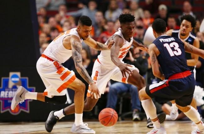 josh-perkins-tyler-roberson-michael-gbinije-ncaa-basketball-ncaa-tournament-midwest-regional-syracuse-vs-gonzaga-850x560