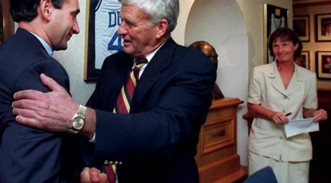 TOM BUTTERS: EL HOMBRE DETRÁS DEL COACH K. Coach K: entrenar, enseñar, liderar
