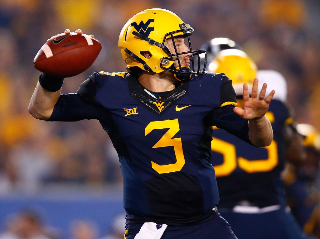 MORGANTOWN, WV - SEPTEMBER 05:  Skyler Howard #3 of the West Virginia Mountaineers throws a pass in the second half against the Georgia Southern Eagles during the game at Mountaineer Field on September 5, 2015 in Morgantown, West Virginia.  (Photo by Jared Wickerham/Getty Images)