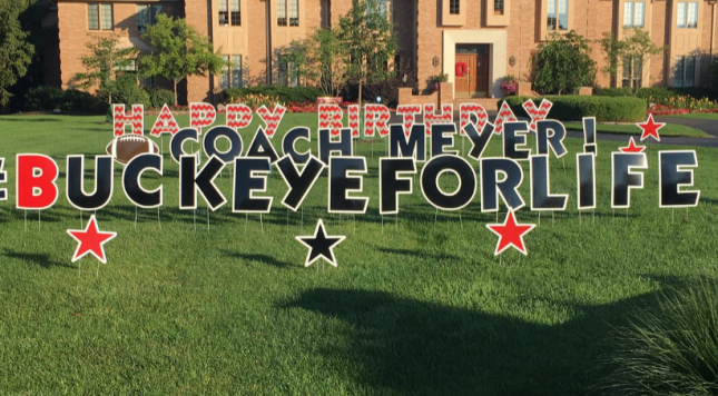 Ohio State Fans Fill Urban Meyer S Yard With Happy