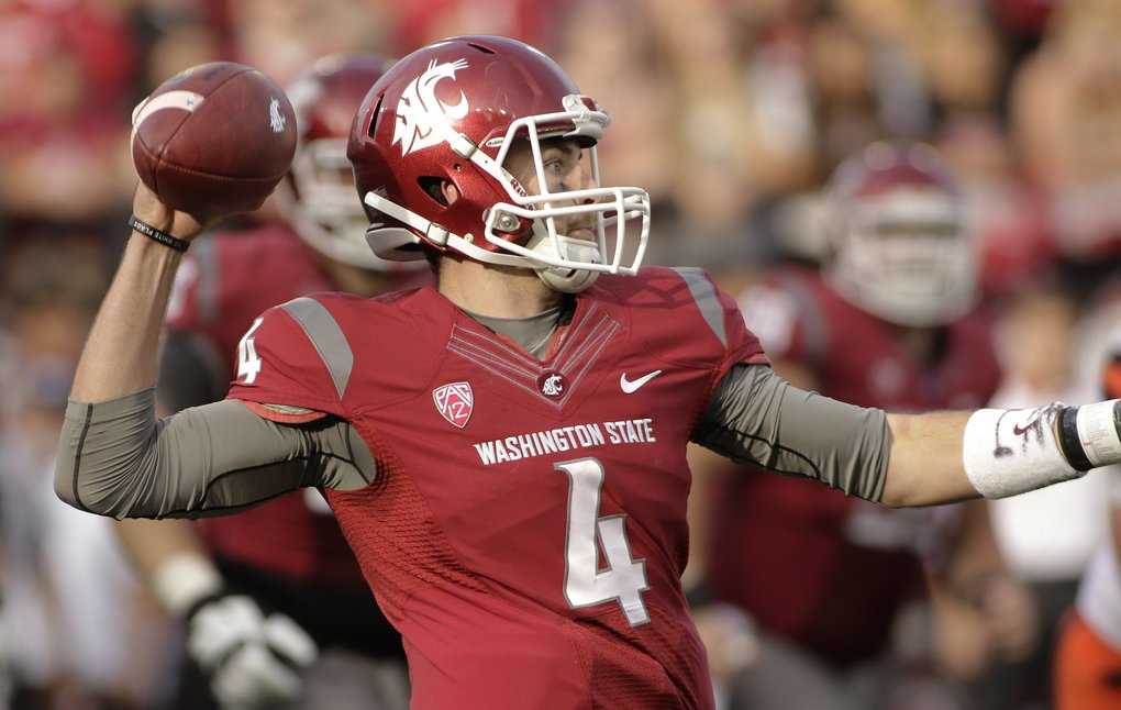 Washington State quarterback Luke Falk (4) throws a pass during the second half of an NCAA college football game against Oregon State, Saturday, Oct. 17, 2015, in Pullman, Wash. (AP Photo/Young Kwak)