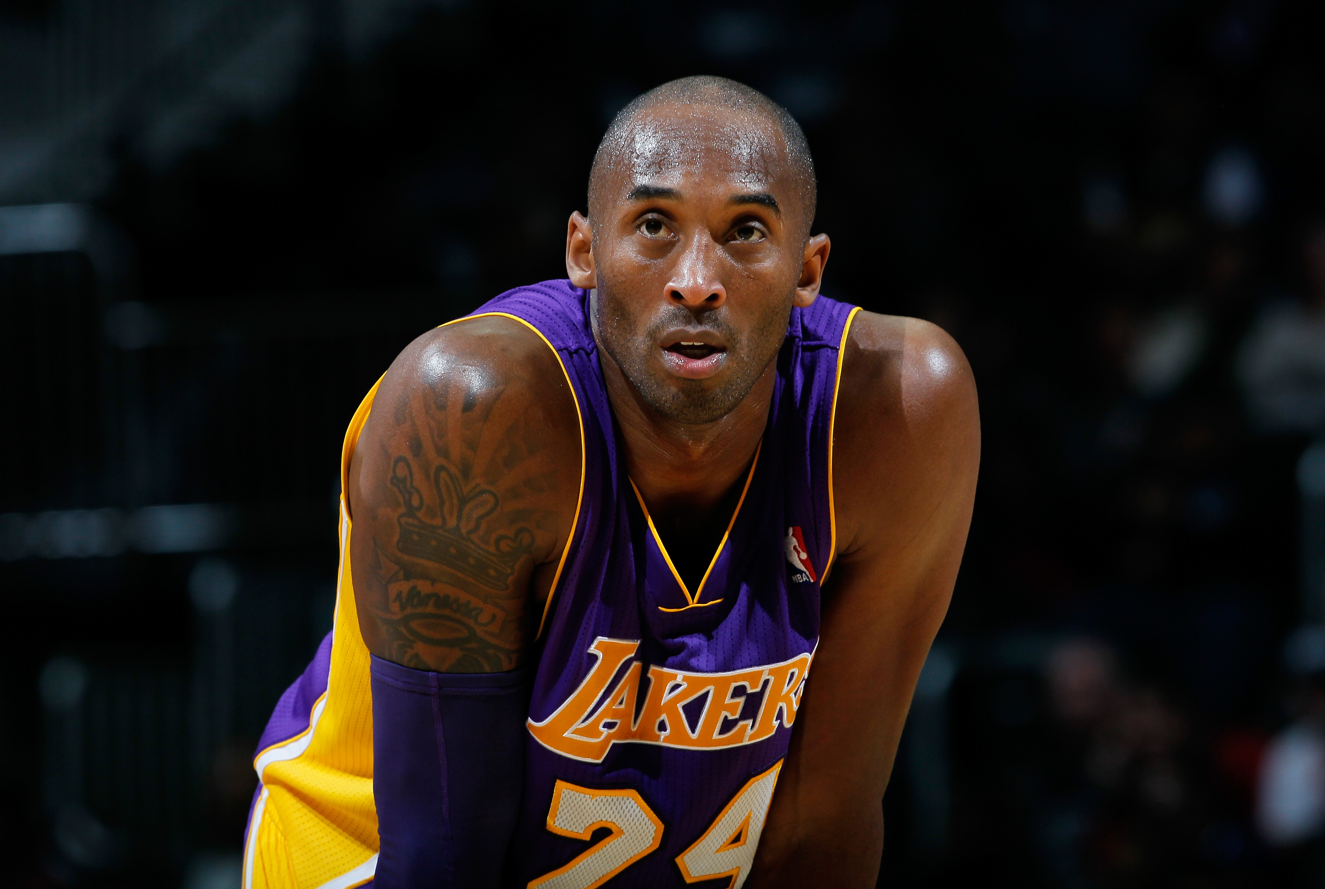 6a18f3634 Which Kobe Bryant jersey number should the Lakers retire