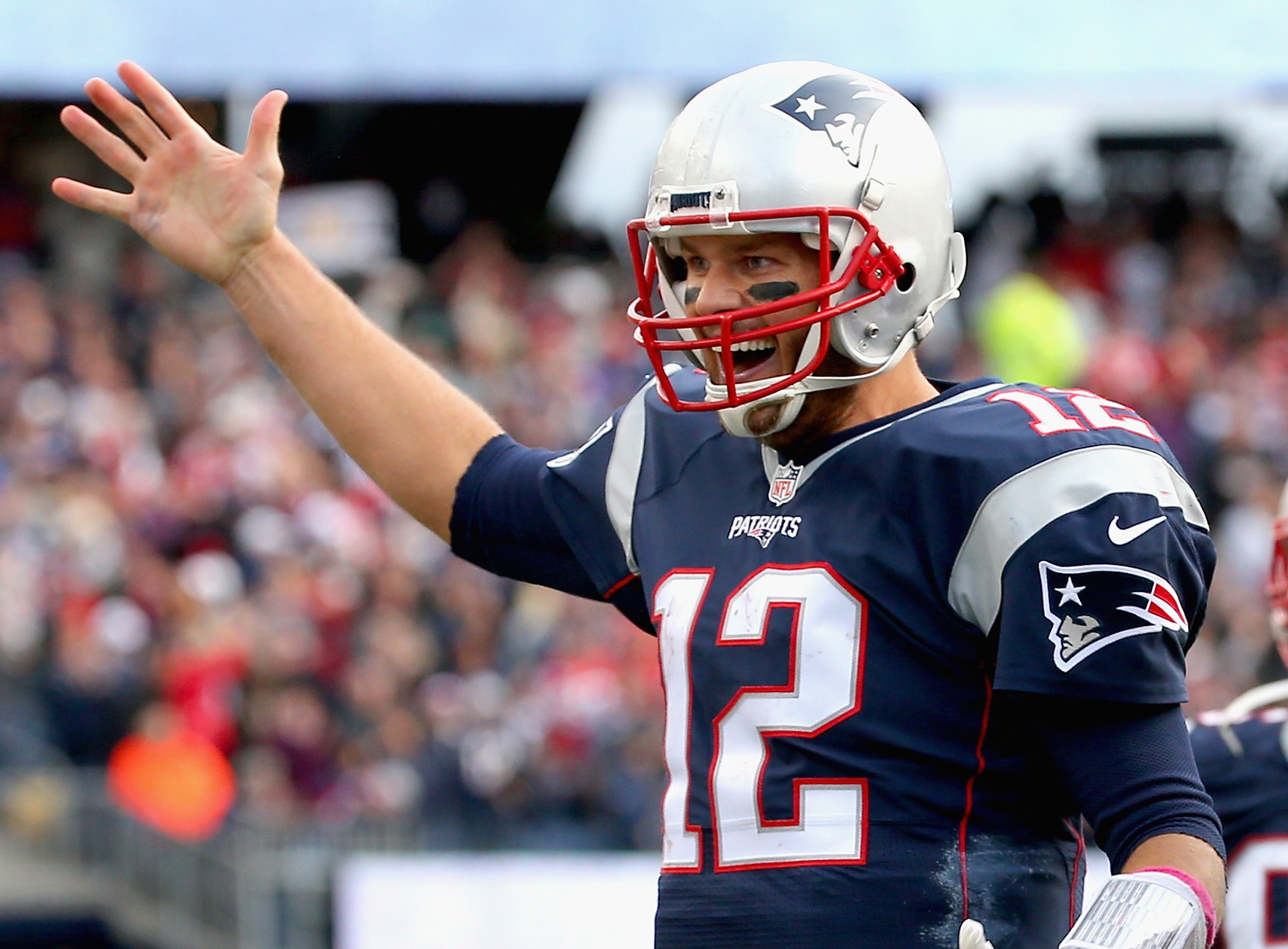 tom brady spends time with throwing coach during playoff - HD1710×1260