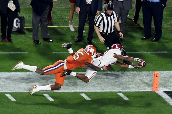 Kenyan Drake reaches for the goal line during the 2016 College Football Playoff National Championship Game at University of Phoenix Stadium on January 11, 2016 in Glendale, Arizona.