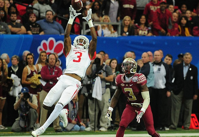 ATLANTA, GA - DECEMBER 31: William Jackson III #3 of the Houston Cougars intercepts a pass against the Florida State Seminoles during the Chick-Fil-A Peach Bowl at the Georgia Dome on December 31, 2015 in Atlanta, Georgia. Photo by Scott Cunningham/Getty Images) *** Local Caption *** William Jackson III