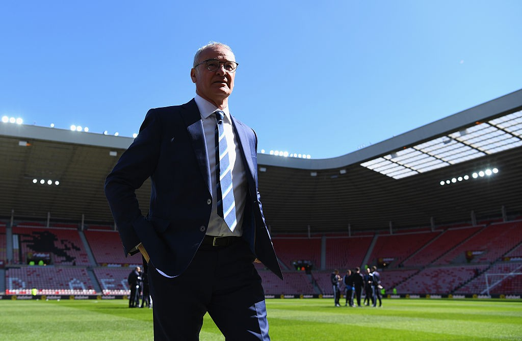 SUNDERLAND, UNITED KINGDOM - APRIL 10:  Claudio Ranieri manager of Leicester City walks on the pitch prior to the Barclays Premier League match between Sunderland and Leicester City at the Stadium of Light on April 10, 2016 in Sunderland, England.  (Photo by Shaun Botterill/Getty Images)