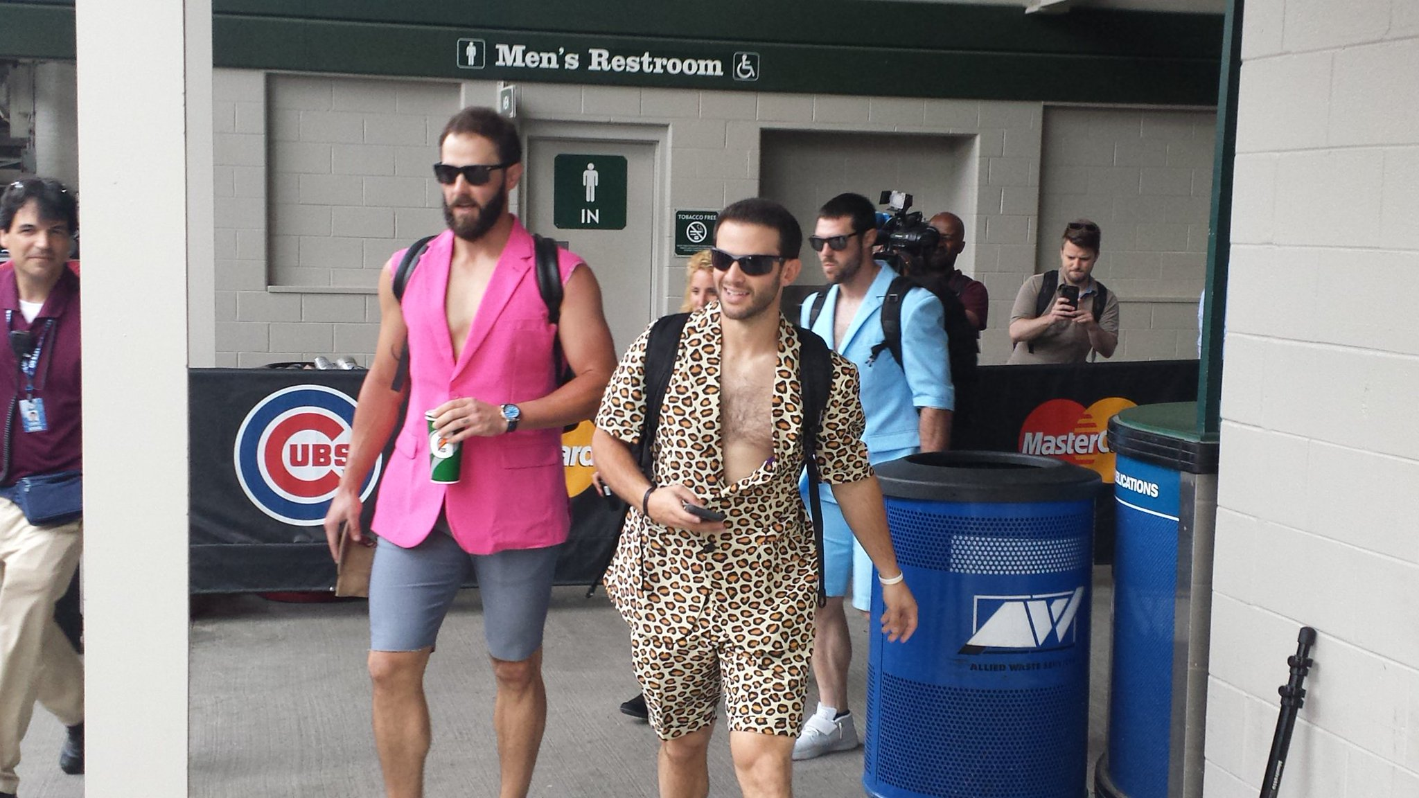 Joe Maddon Has The Cubs Wear Leisure Outfits For Miami Road Trip