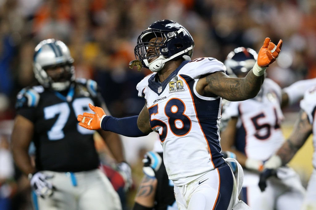 SANTA CLARA, CA - FEBRUARY 07:  Von Miller #58 of the Denver Broncos reacts after a play against the Carolina Panthers in the fourth quarter during Super Bowl 50 at Levi's Stadium on February 7, 2016 in Santa Clara, California.  (Photo by Patrick Smith/Getty Images)