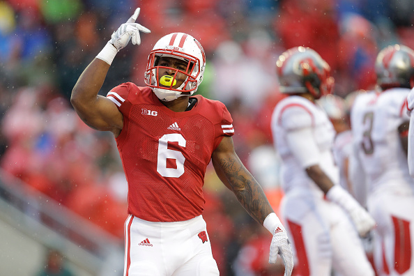MADISON, WI - OCTOBER 31: Corey Clement #6 of the Wisconsin Badgers celebrates after scoring a touchdown during the first half against the Rutgers Scarlet Knights at Camp Randall Stadium on October 31, 2015 in Madison, Wisconsin. (Photo by Mike McGinnis/Getty Images)  width=