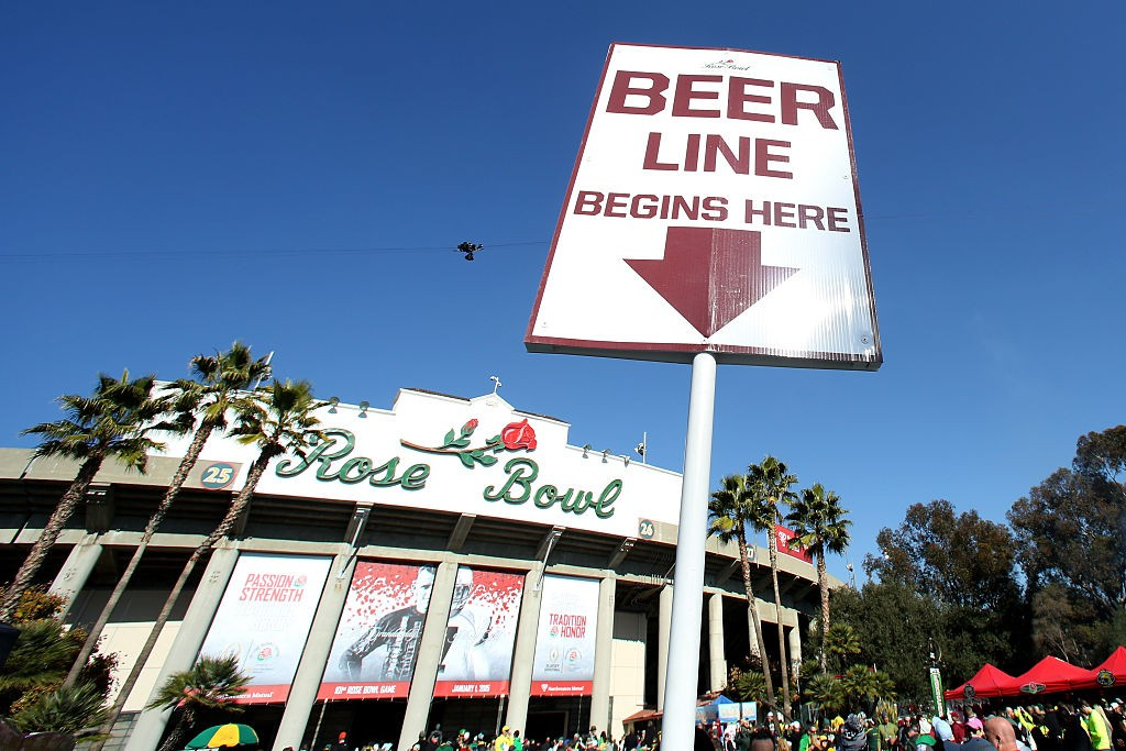 during the College Football Playoff Semifinal at the Rose Bowl Game presented by Northwestern Mutual at the Rose Bowl on January 1, 2015 in Pasadena, California.