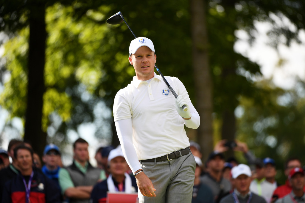 CHASKA, MN - SEPTEMBER 29: Danny Willett of Europe plays a shot during practice prior to the 2016 Ryder Cup at Hazeltine National Golf Club on September 29, 2016 in Chaska, Minnesota.  (Photo by Ross Kinnaird/Getty Images)