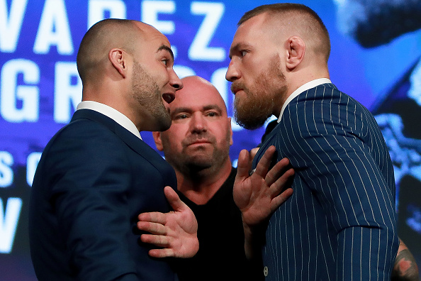 NEW YORK, NY - SEPTEMBER 27:  Conor McGregor and Eddie Alvarez face-off as UFC president Dana White breaks them up at the UFC 205 press conference at The Theater at Madison Square Garden on September 27, 2016 in New York City.  (Photo by Michael Reaves/Getty Images)
